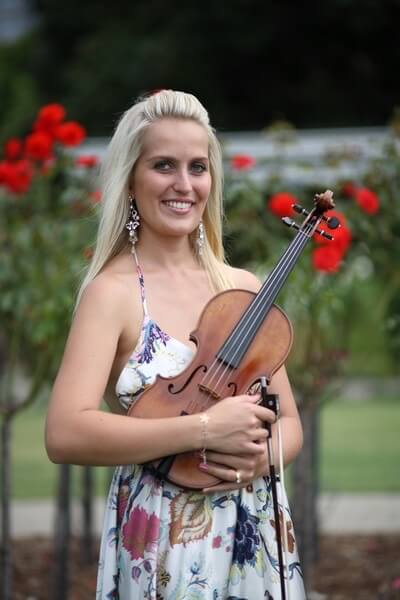 Sydney Ensemble is Sydney and Hunter's leading wedding music string ensemble. Two wedding violinists Sydney are both graduates from Conservatorium School